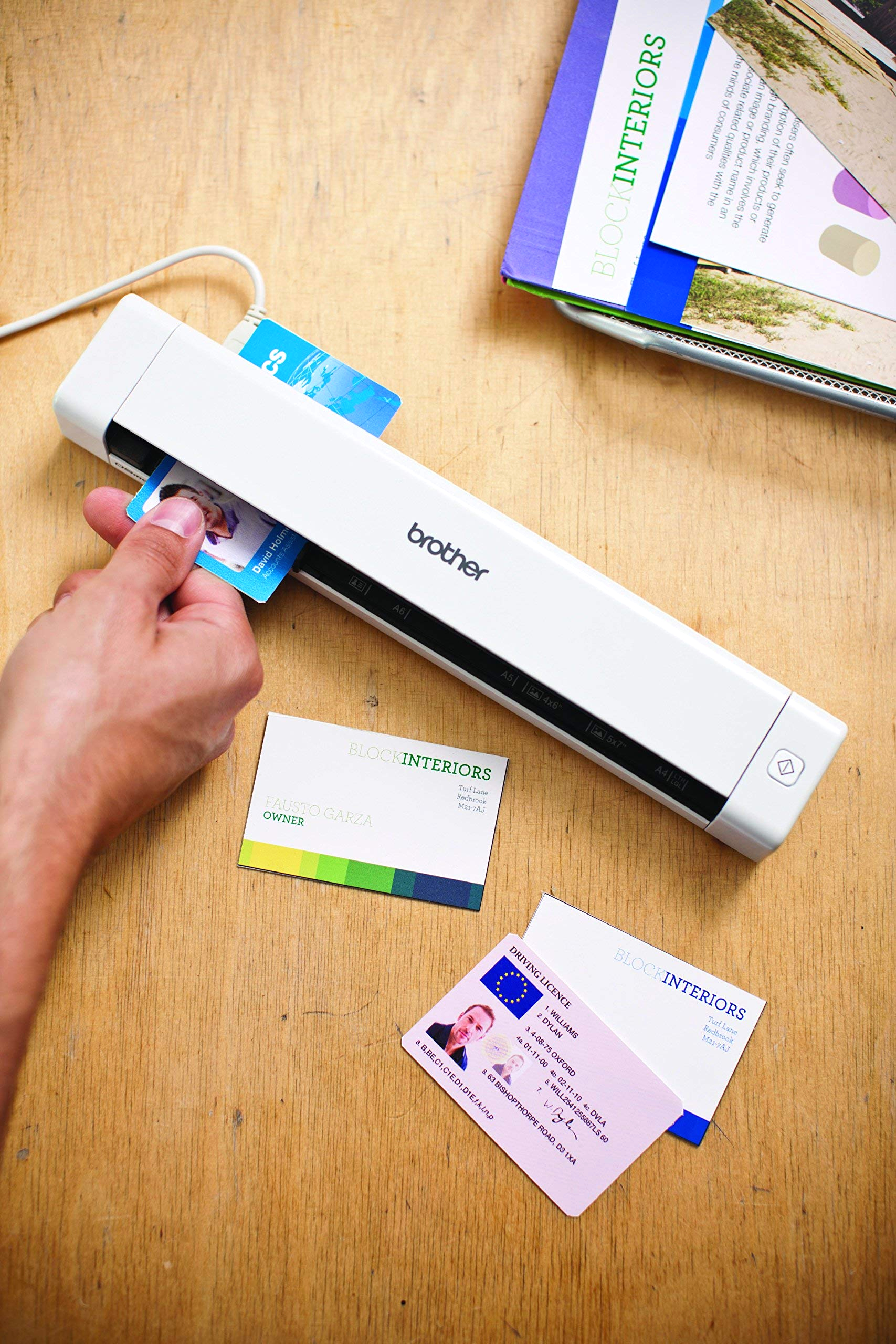 brother mobile color page scanner ds 620 fast scanning speeds pact and lightweight patible with br receipts